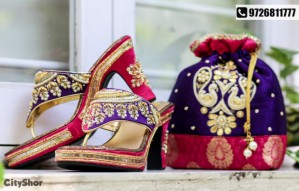 BLINKK | Trendy bags and footwear at flat 30% discount!