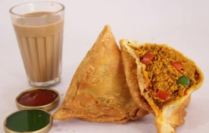 Tandoori Chicken, Achari Paneer Samosas to eat at this Party