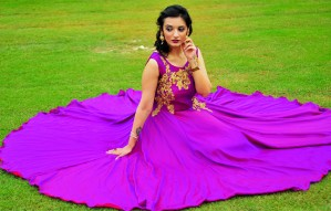Rent Ethnic Wear from 101 HUES starting at Rs 1000
