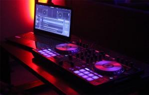 BDM vs EDM by DJ KARAN PASHA at DHUAA EXPRESS