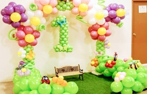 Balloon based decorations for you parties! Call Balloonwala