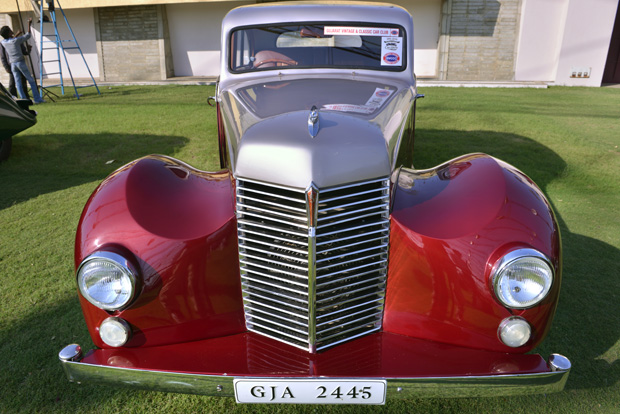A day to go for The VINTAGE CARS SHOW