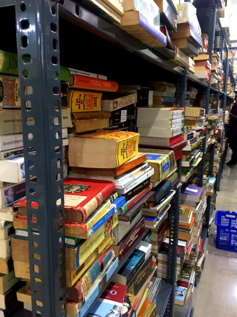 2,00,000 Books across all Genres at Blossom Book House!