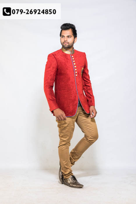 Breathtaking men's wear at upto 50% OFF  An absolute