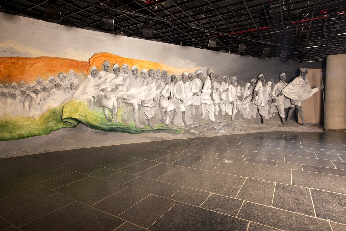 Revisit the Milestones Marked by Gandhiji at Dandi Kutir
