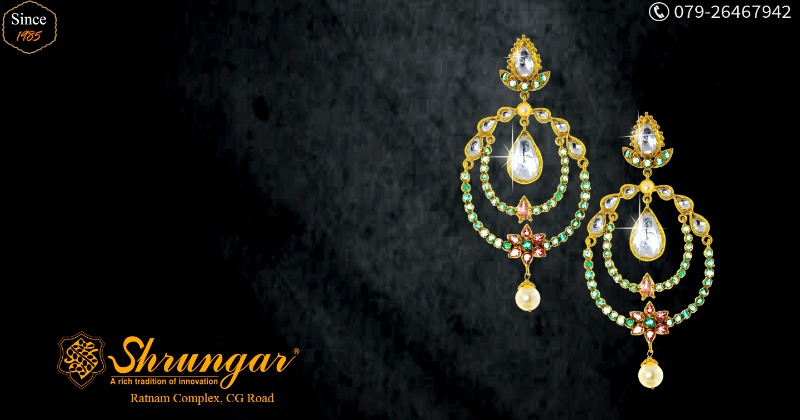 Flaunt with a Panache! Buy Earrings from Shrungar Jewellers!