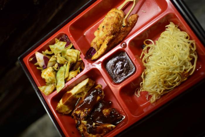 Bento Boxes, Amazing Drinks to Gorge at this Oshiwara Eatery