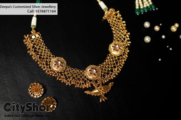 Dazzling Diamond & Gold Jewellery apt for Weddings @ Deepas