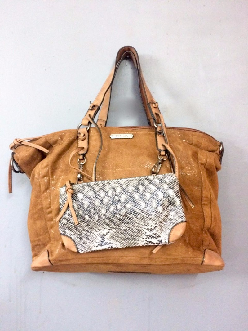Unbelievable rates on bags, apparels & accessories @ ANAY!