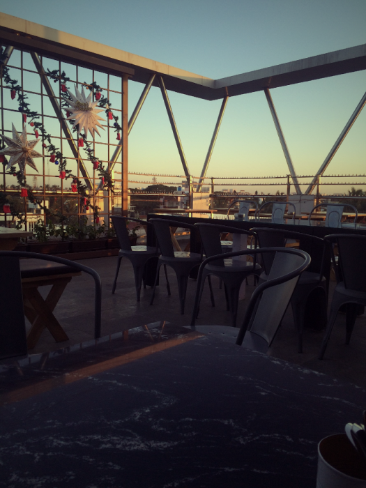 Eat, Unwind and Chill at this Soothing Roof Top Eatery!