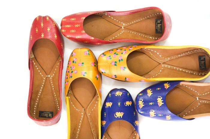 Visit The Haelli for Quirky Hand-painted Juttis this Season!