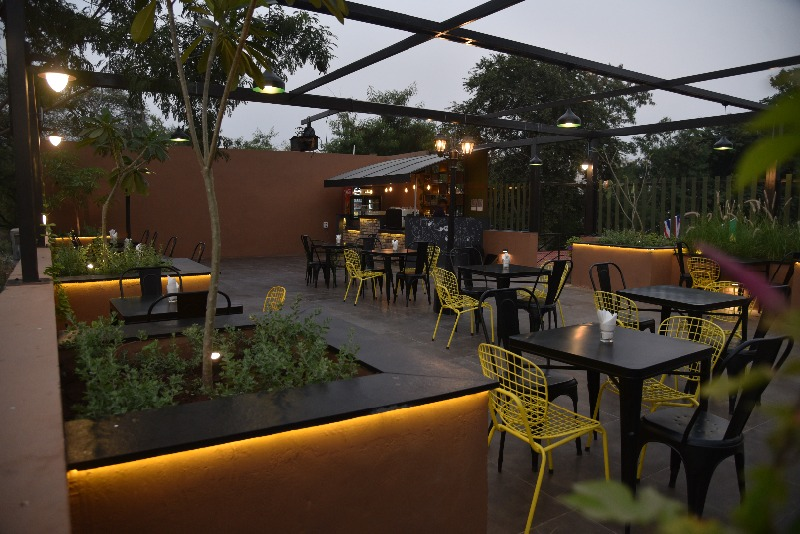 Place with 3 dif dining areas on SG Highway- The Global Adda