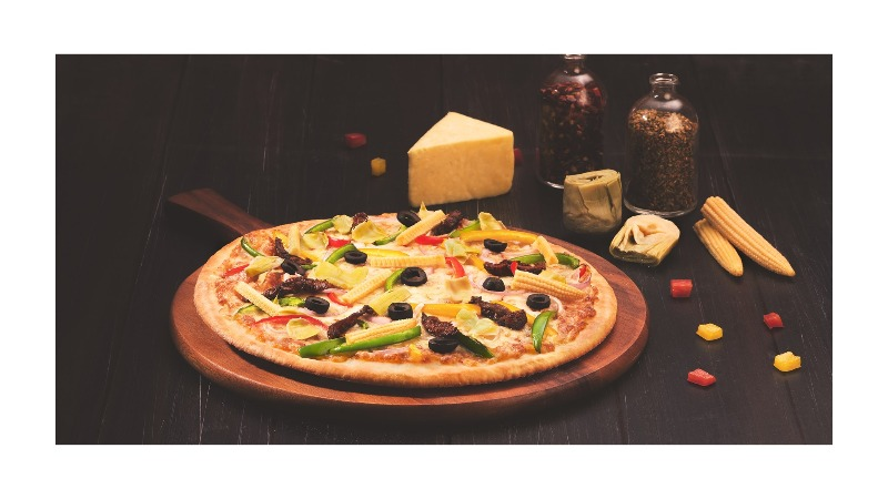 Buy 10 n get 13 inch Pizza FREE always @ London Yard Pizza