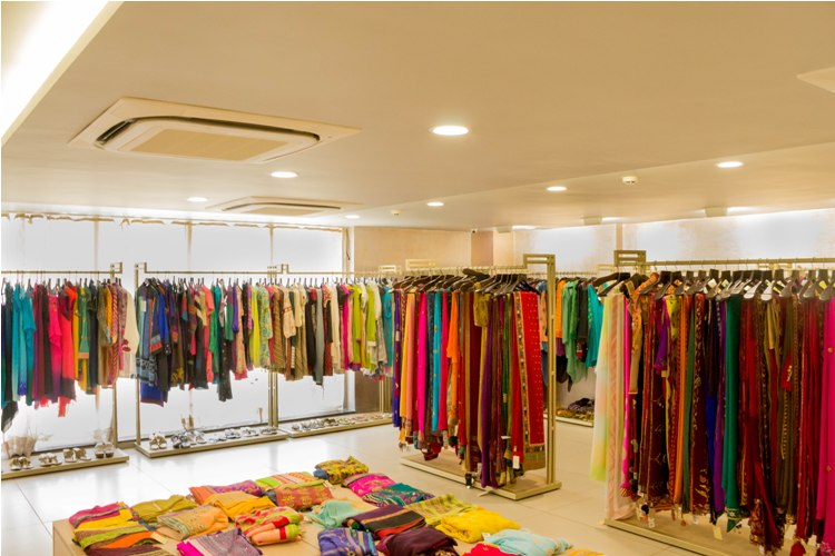 Deval store - Avail upto 70% off!