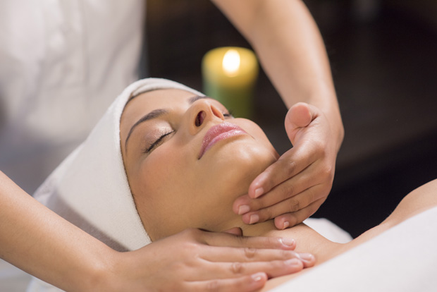 Avail wondrous offers at FINAL TOUCH & AUM SPA