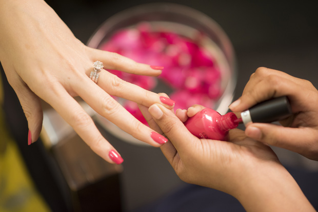 Avail wondrous offers at final touch aum spa for A final touch salon