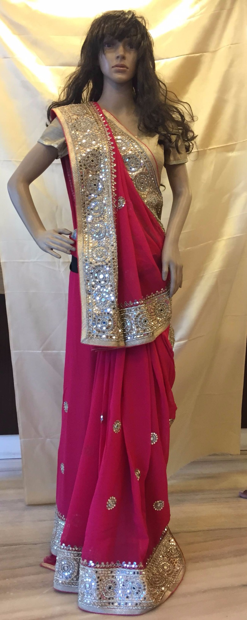 ANUSHREE presents a CLEARANCE SALE of Exclusive Sarees