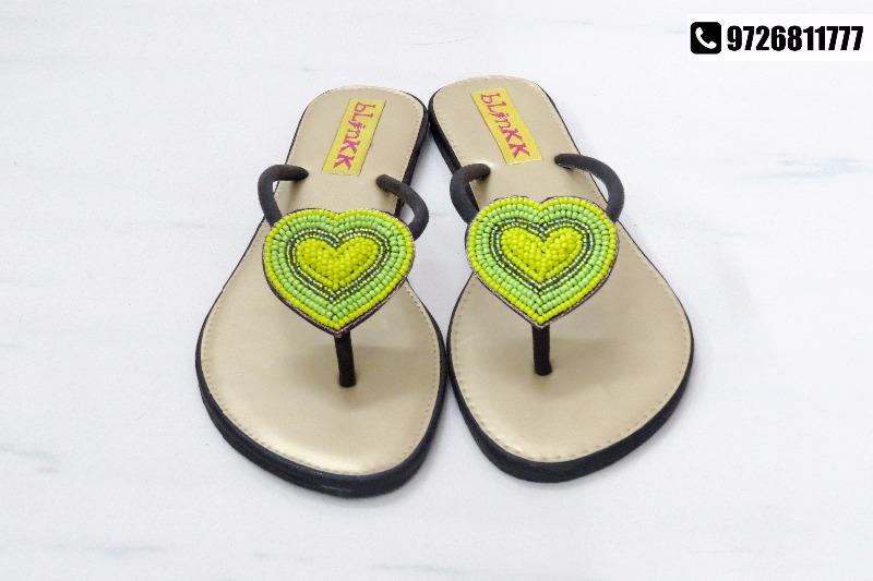 BLINKK | Trendy bags and footwear at flat 30% discount!