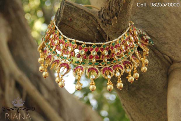 Redefine Your Beauty with Splendid, Handcrafted Jewellery!