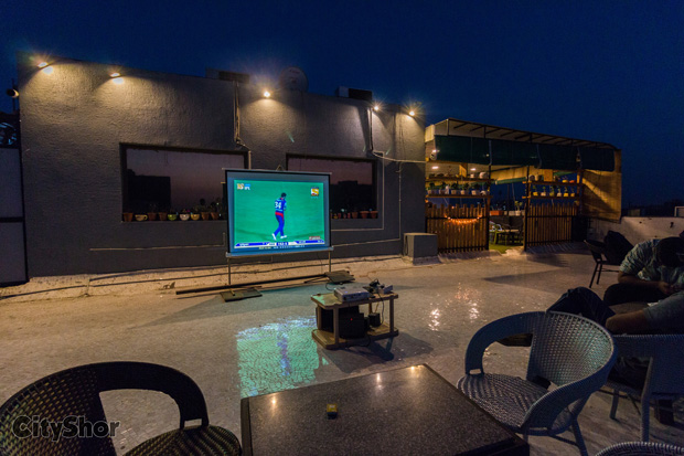 Watch IPL Live at a rooftop Cafe: Zero Gravity!