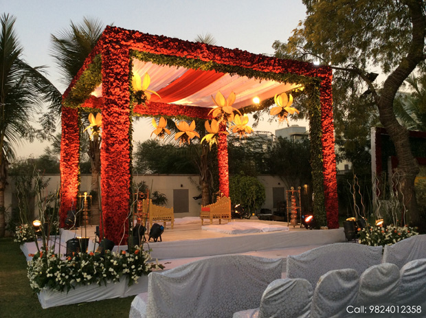 Make your Wedding a spectacle with VARSHA DECORATORS