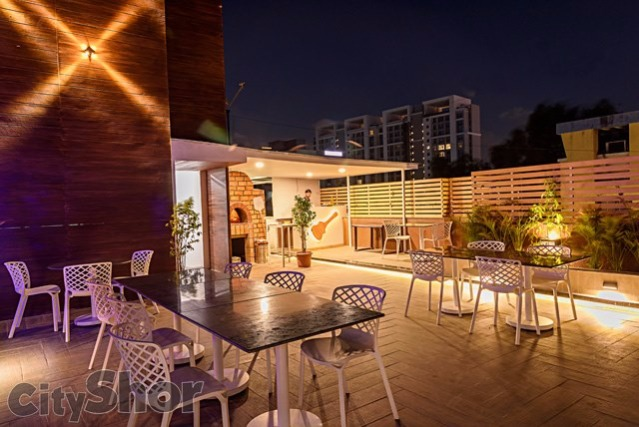The Newest Rooftop Cafe In Baner Cafe Rettro