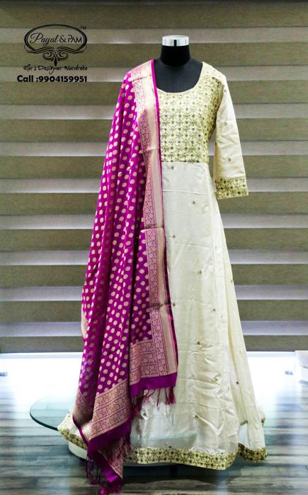 Huge Flat 50% on some amazing fashion options at Payal & Pam