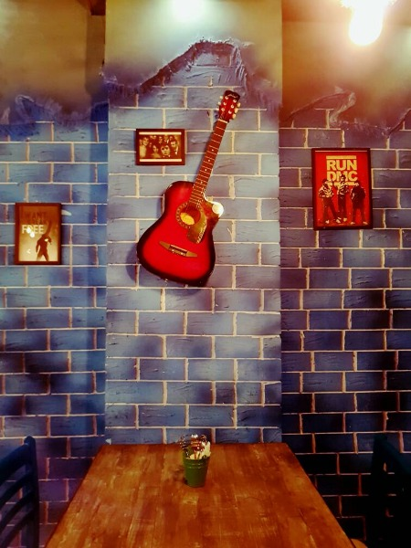 Dine at this Restaurant with Daily Changing Musical Themes!
