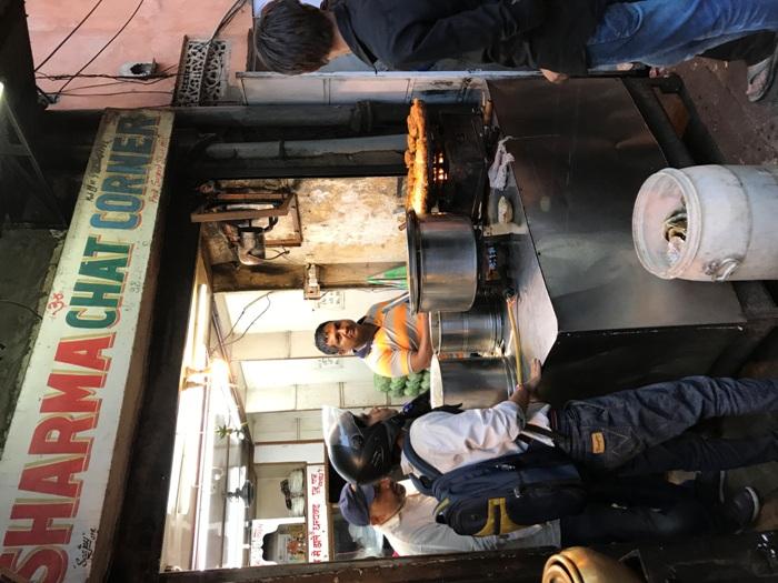 Gorge Banarasi Aloo Tikkis, Odiya Dahi Wade at Johri Bazaar!