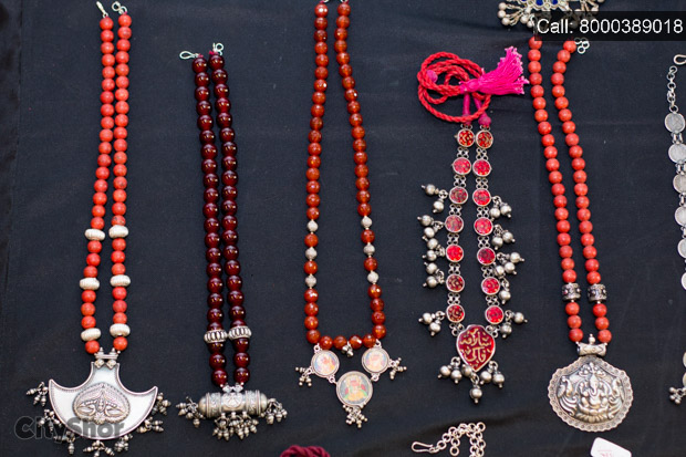 Gorgeous Wear & Precious Jewellery at Anay Gallery.