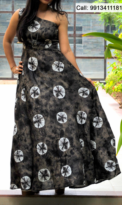 DEVANKSHI SHAH showcases gorgeous wear at Anay Gallery