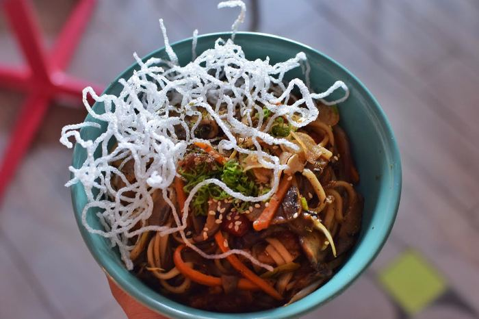 Visit BKC for Amazing Sea Food at this New Japanese Cafe!