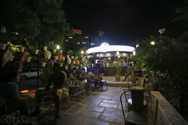 Deja Vu Cafe | A casual hangout place for all your weekends!