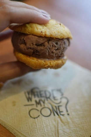 Say No to Boring Ice Creams! Try Ice Cream Cookie Sandwich!