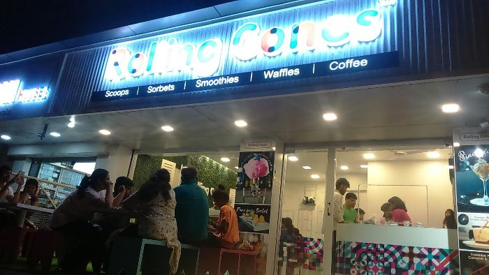 Unusual Desserts like Pani Puri, Mac & Cheese at this Place!