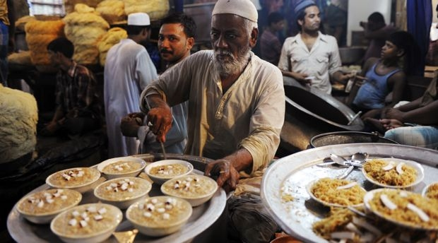 Most Inspiring Different Country Eid Al-Fitr Food - 1498475895_halwa  Best Photo Reference_978279 .jpg