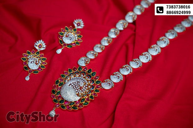 Jewellery on rent for him & her at 36 inches!
