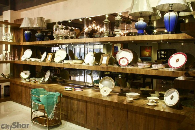 Acentric Loft - Crockery or Collectibles!