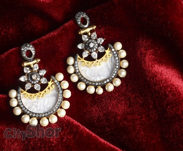 Jewellery for the beautiful you - only at Ratnakar Jewellery