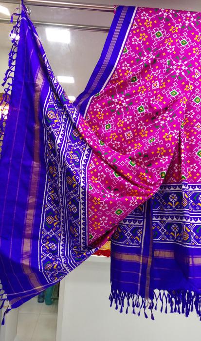 RAJSHRUNGAR: Showcasing real Bandhej & Patola, @Anay Gallery