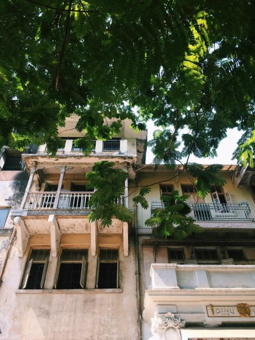 Get Struck with Nostalgia; Take a Walk Around Parsi Colony!