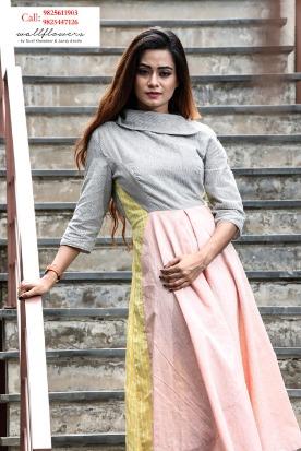 Grab the monsoon trendy apparels only Tomorrow @ Antara