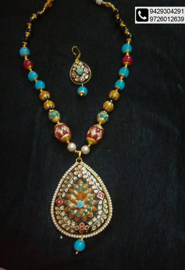Up to 50% off on apparels and jewellery @ Anay Gallery
