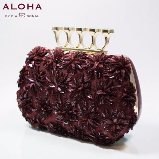 Own this Season Like a Diva with these Potlis, Clutches!