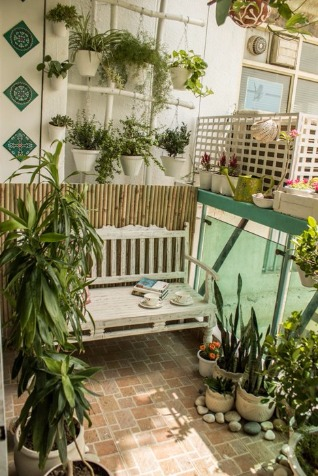 The Happy Bench Creates that Lush Garden You Always Wanted!