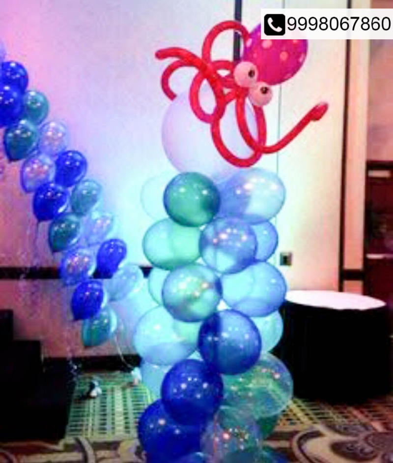 Structures Decor & more made out of Sculpture Balloons!