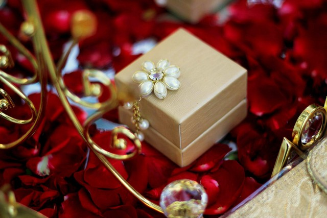 Packing Ideas For Wedding Gifts: A Potli Of Gift Packaging Ideas