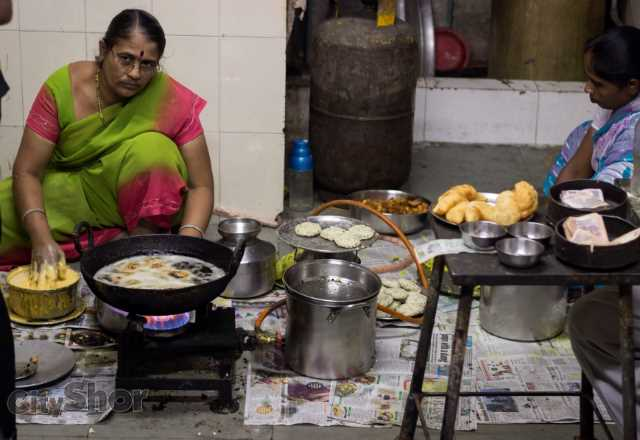 Annapurna Snack Centre: A Gem in Raviwar Peth