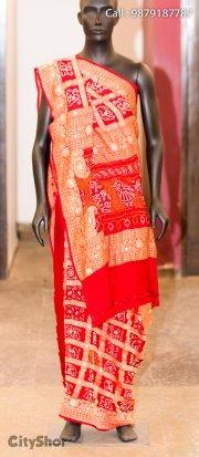 Gorgeous Bandhej and Patodas exhibit by RAJSHRUNGAR.