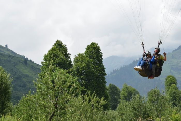Trail Blaze the Himalayan Skies with Paragliding!